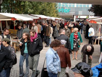 riesenflohmarkt ostbahnhof 2 3 oktober erich steinfurth str 3 in 10234 berlin. Black Bedroom Furniture Sets. Home Design Ideas